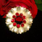 Vintage goldtone wreath flower deep red rhinestones brooch pin