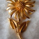 vintage flower brooch pin  signed Hedy gold tone realistic 1960 gorgeous