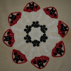 Dogs in Baskets Crochet Doily Pattern