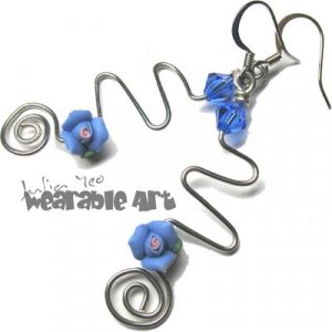 Zig Zag - Sapphire / Blue Swarovski Rose Earrings