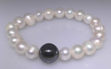 New freshwater pearl bracelet with a 14mm Hematite bead