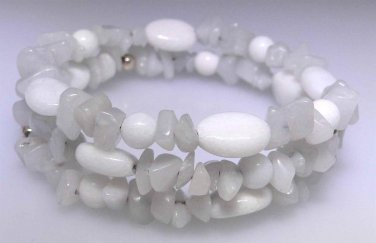 New White Agate oval bead and light gray Quartz chip bead bracelet