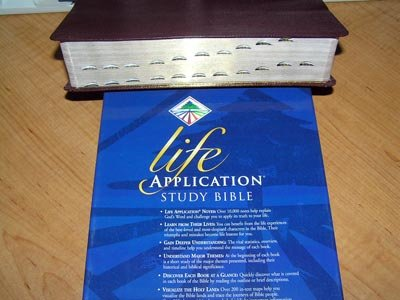 KJV Life Application Study Bible, Bonded leather,black