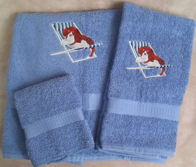 Embroidered Beagle in Beach Chair on Blue Wash Hand Bath Towels Set
