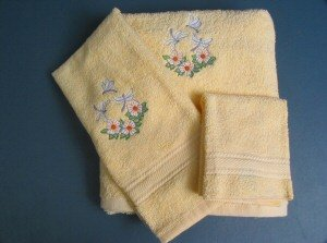 Embroidered Dragonfly and Daisies on Yellow Wash Hand Bath Towels Set
