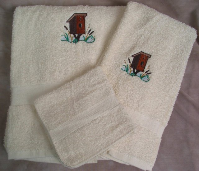 Embroidered Outhouse Bird House on Cream Wash Hand Bath Towels Set