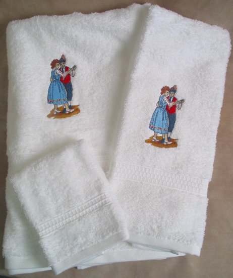 Embroidered Polka Dancers on White Wash Hand Bath Towels Set