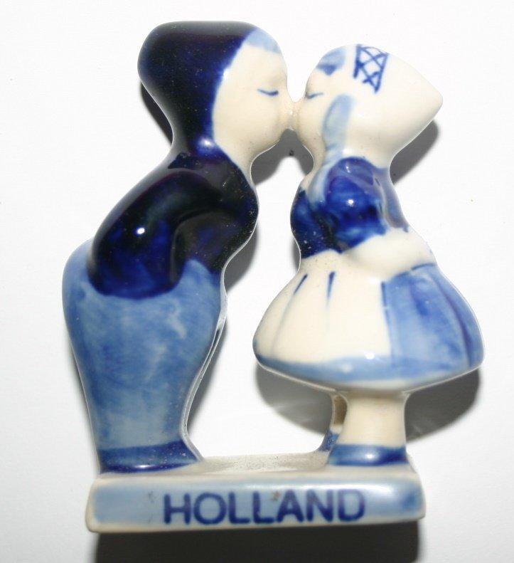 Antique Holland Delftware Pottery Souvenir Kissing Couple Delft