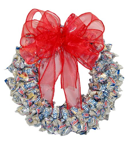3 Musketeers' Wreath