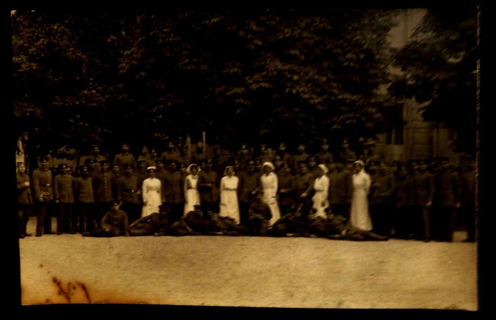 World War I Real People Postcard German Nurses and Soldiers Unused Divided Back