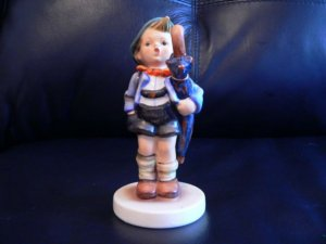 "HUMMEL FIGURINE ""HOME FROM MARKET"" #198 TMK1   @@@@ mint condition@@@@@"