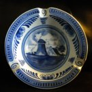 "NICE VINTAGE 5"" DIAMETER DELFTS BLAUWE ASHTRAY.COLORS ARE STILL NICE AND BRGHTI"