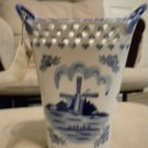 AUTHENTIC DELFT BLAUW 8&quot; BEAUTIFUL LACE-LOOK  VASE** PERFECT FOR ANY OCCASSION