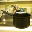PAMPERED CHEF@@ 2 QT COVERED SAUCEPAN...GREAT CONDITION