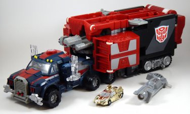 Hasbro Transformers Armada Super Optimus Prime with Corona Sparkplug Mini-con Powerlinx