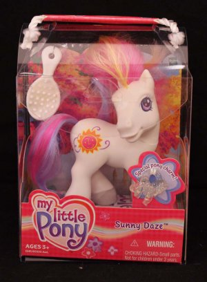 2003 G3-MLP My Little Pony Sunny Daze with Special Charm