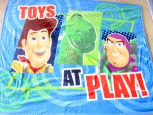 "NEW TOY STORY Woody & Buzz Light Year Children Wearable Fleece Blanket 41"" x 53"""