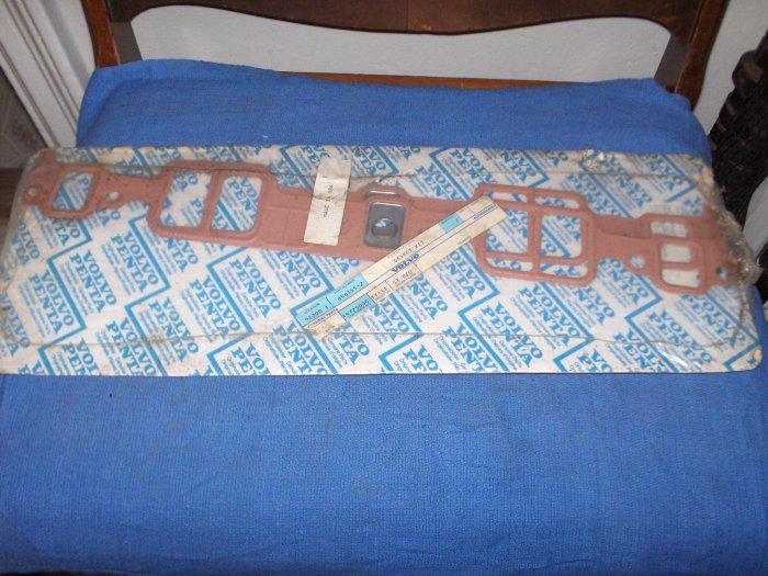 VOLVO PENTA  GASKET kit  # 856365    new  nr