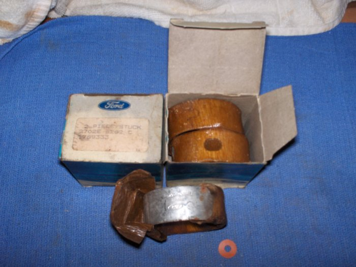 VOLVO PENTA  BEARINGS LOT  # 2      *MECHANICS LOOK*