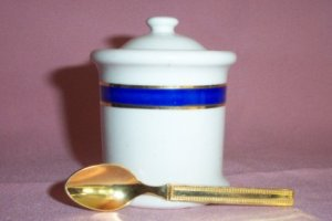 Vintage Pottery JAM/JELLY JAR w. Spoon, 24kt Gold Plate, Very Nice!