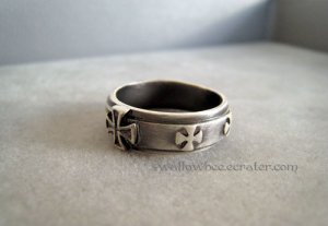 Classic Cross Fashion Ring