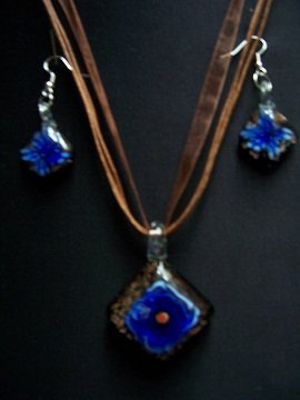 New Murano Glass Necklace and Earring Set New