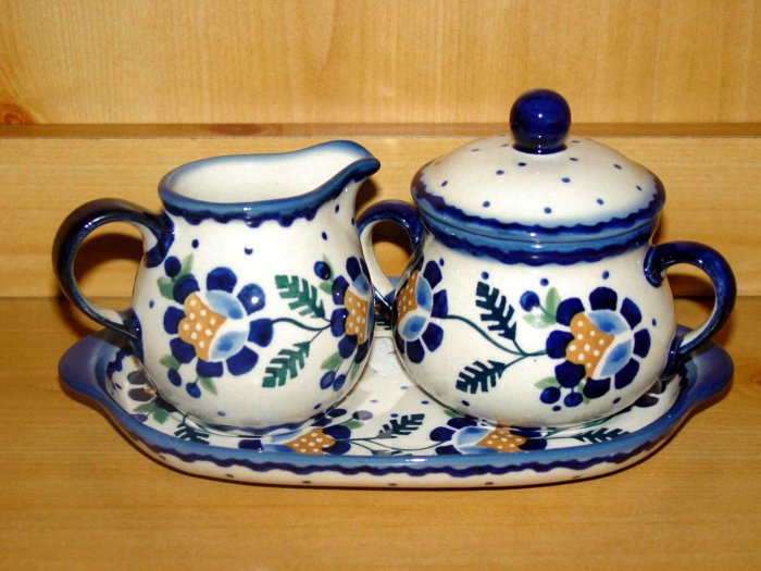 Polish Pottery Sugar and Creamer Jenny Flower  with matching Holding Plate, Boleslawiec