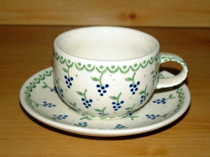 Polish Pottery Teacup and Saucer  Boleslawiec Poland Zaklady Ceramiczne Grapes Pattern