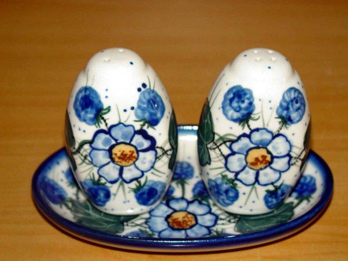 Polish Pottery Salt and Pepper WR Unikat Signature Spring Morn Artist Signed Boleslawiec Poland
