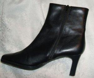 Black Boots Sz 9W