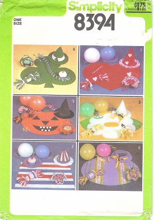 Simplicity #8394 1970s Holiday Table Place Mats / Party Hats / Party Favors - 6 Sets FF Pattern