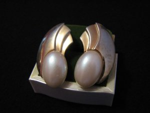 Vintage Gold Tone and White Faux Pearl Wave Fan Pierced Earrings