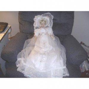 Ashton Drake Victorian Serenity Collectors Doll