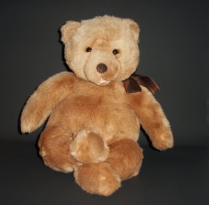 "1992 20"" Collector's Classic Bear by Gund® w/black thus tag #60"