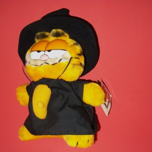 Vintage Dakin Plush Toy The Parof the Party WITCHY POO Happy Birthday Garfield®