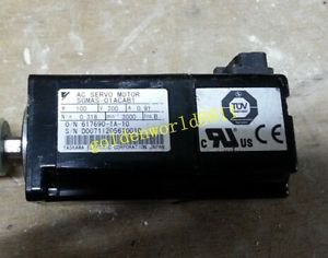 Yaskawa AC servo motor SGMAS-01ACAB1 good in condition for industry use