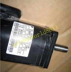 Yaskawa AC servo motor SGMAH-01A1A-SM21 good in condition for industry use