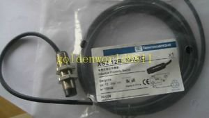 NEW Schneider proximity switch XS2 12BLNAL2C good in condition for industry use