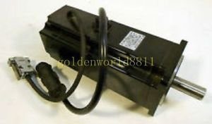 Sanyo servo motor P50B040100DS4E good in condition for industry use