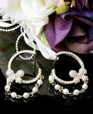 Clue Petite Ribbon White Pearl Earrings