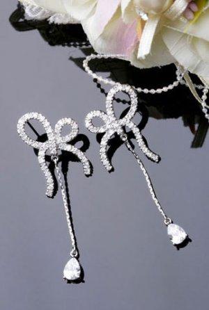 Silver Plated Cubic Zirconia Stud Shining Ribbon Tear Drop Earrings