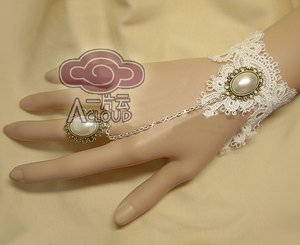 OFF WHITE LACE RIBBON BRASS SLAVE BRACELET WITH ROCOCO STYLE RING