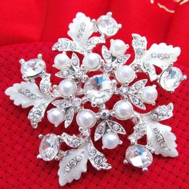 FAUX PEARL WHITE SILVER FLOWER CRYSTAL BRIDAL WEDDING BROOCH PIN