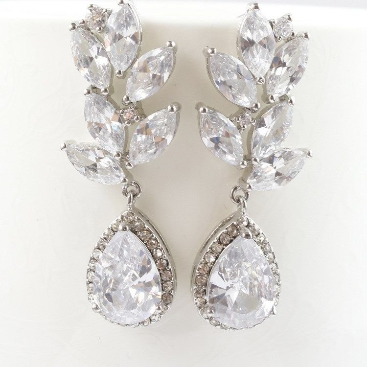 SET OF 4 BRIDESMAIDS WEDDING TEARDROP ZIRCONIA ZIRCON CRYSTAL STUD EARRINGS