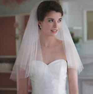 1 Tier Simple Style White/Ivory Wedding Bridal Short Mask Veil With Comb