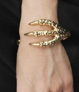 Dragon Eagle Bangle I Tak Fung Hong Hk