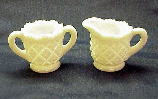 Westmoreland Thumbelina Child Size Creamer & Sugar - Memory Lane Collectibles