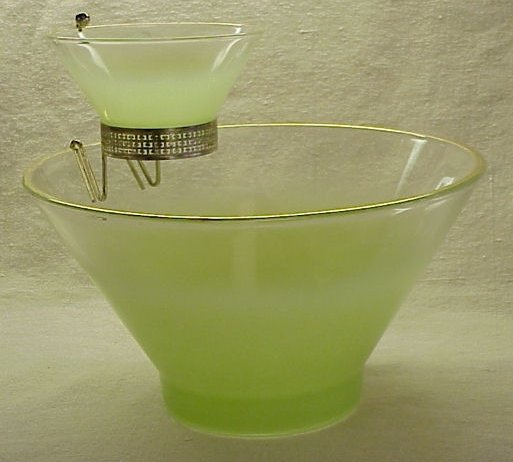 Retro Chartreuse Glass Chip & Dip Set from the 60s, 70s - Memory Lane Collectibles
