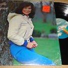 Loretta Lynn Lookin Good Vinyl LP VG+/G+ w/ Shrink Wrap