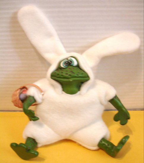 """RUSS BERRIE & CO """" Frobbit """"  Frog ** FREE SHIPPING**"""